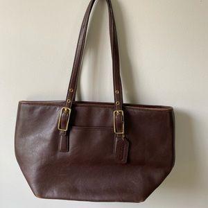 Coach vintage leather handbag in brown